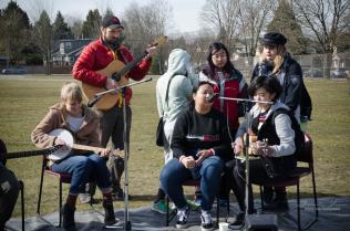 clinton-park-fieldhouse-launch-event-music2